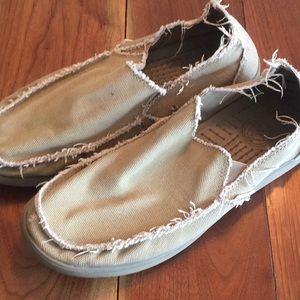 Men's tan canvas crocs, size 13